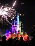Известные фейерверки spectacular nighttime желаний Стоковая Фотография