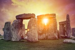 Free Spectacular Sunrise Over Stonehenge, England Stock Photography - 191154452
