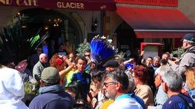 Spectateurs au carnaval de Limoux en Aude, France clips vidéos