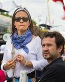 Spectateurs intéressés à une étape du Tour de France photographie stock libre de droits