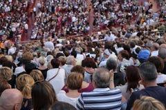 Spectateurs sur un concert dans l'arène de Vérone Image stock