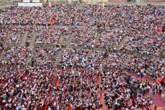 Spectateurs sur un concert dans l'arène de Vérone Photographie stock libre de droits