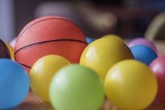 Specyfika strzał stos kolorowe klingeryt zabawki piłki fotografia stock