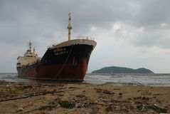 Spedica con carico sul canale di Kiel, Germania Immagine Stock