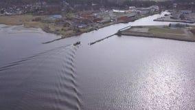 Spedisca andare dentro Harbor la vista aerea di Roja Lettonia del video di vista superiore 4K UHD del fuco della campagna stock footage