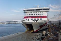 Spedisca il caricamento baltico della regina nel porto di Tallinn, Estonia Fotografia Stock
