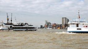 Spedisca le vele al bacino del porto di Amburgo Fotografia Stock Libera da Diritti