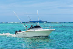 Speed boat on the Le Morne Beach Royalty Free Stock Photos