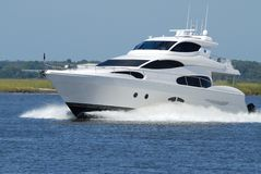 Speeding luxurious yacht Royalty Free Stock Photography