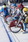 Speedway auf Eis Eine Sekunde vor dem Anfang Lizenzfreie Stockfotografie