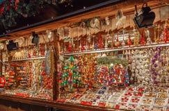Speelgoed en decoratie op de Kerstmismarkt, Duitsland royalty-vrije stock foto
