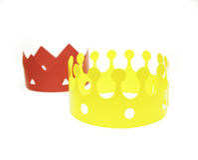 Speelgoed gekleurde kronen Stock Foto