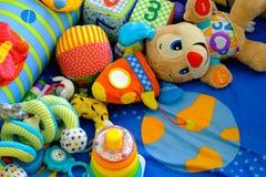 Speelgoed in mat royalty-vrije stock foto