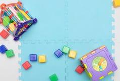 Speelgoed voor jonge kinderen Onderwijs Speelgoed Vroege ontwikkeling royalty-vrije stock foto's