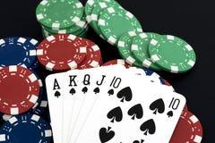 Speelkaart en fiches, rechtstreeks gelijk Royalty-vrije Stock Afbeelding