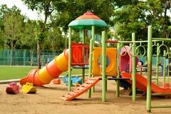 Speelplaats bij het park Stock Foto