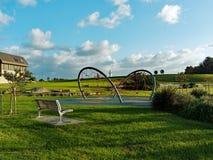 Speelplaats in Groene Parkland royalty-vrije stock afbeeldingen