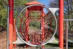 Speelplaats met met dia in park Lelystad, Nederland royalty-vrije stock afbeelding