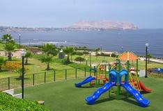 Speelplaats op de Kust van Lima Stock Afbeelding