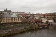 Speelplaats op de waterkant in Praag Stock Afbeelding