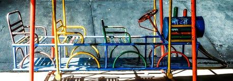 Speelplaats van krottenwijk stock foto's