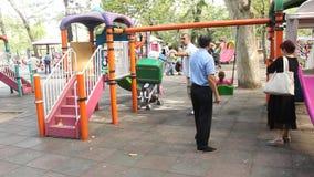 Speelplaats voor Kinderen stock videobeelden