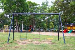 Speelplaatsen in tuin Royalty-vrije Stock Afbeelding