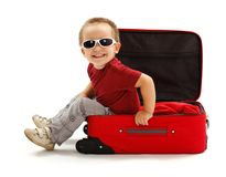 Speels weinig jongen met zonnebril Royalty-vrije Stock Afbeeldingen