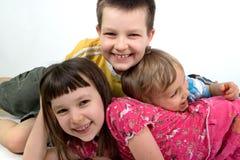 Speelse Siblings royalty-vrije stock foto's
