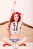 Speelse verleidelijke jonge roodharigevrouw in lotusbloem Royalty-vrije Stock Fotografie