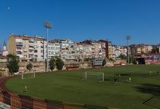 Speelvoetbal in Oude Stad Istanboel, Turkije stock fotografie