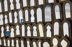 Speglar på marknaden i Tunisien Royaltyfria Bilder