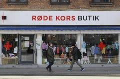 SPEICHER DANOSH-ROTEN KREUZES UND SPENDEN-BEHÄLTER Lizenzfreie Stockfotos
