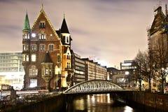 Speicherstadt τη νύχτα στο Αμβούργο Στοκ Φωτογραφία