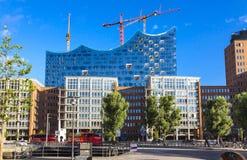 Speicherstadtdistrict met Elbphilharmonie-de bouw in Hamburg Royalty-vrije Stock Foto's
