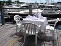 Speisen auf dem Dock Stockfotos