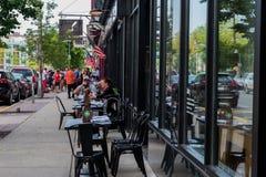 Speisen im Freien an einem Sommer-Tag Stockbilder
