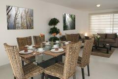 Speisen und Wohnzimmer Stockbilder