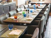 Speisetisch für die Kunden, die zum Hotel kommen Lizenzfreies Stockfoto