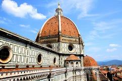 Spektakulär sikt av den berömda marmordomkyrkan Santa Maria del Fior Arkivfoton