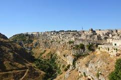 Spektakulär sikt av typiska stenar av den Matera Sassi di Matera UNESCOvärldsarvet och européhuvudstad av kultur 2019, mor royaltyfri fotografi