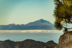 Spektakulär sikt av vulkan Teide från Gran Canaria, kanariefågelöar, Spanien arkivfoto