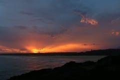Spektakulär solnedgång från kusten i Norther NSW Australien Arkivbild