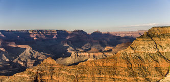 Spektakulär solnedgång på Grandet Canyon Arkivbild