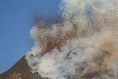 Spektakulärt Volcano Etna utbrott, Sicilien, Italien Arkivbilder