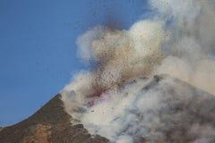 Spektakulärt Volcano Etna utbrott, Sicilien, Italien Royaltyfria Bilder