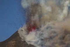 Spektakulärt Volcano Etna utbrott, Sicilien, Italien Royaltyfri Fotografi