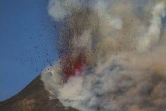 Spektakulärt Volcano Etna utbrott, Sicilien, Italien Royaltyfri Foto
