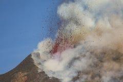 Spektakularna wulkanu Etna erupcja, Sicily, Włochy Zdjęcie Stock