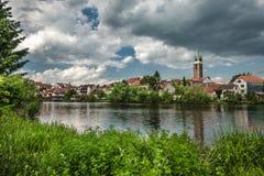 Spektakularny kasztel pod chmurnym niebem w Telc, miasteczko w Moravia, UNESCO światowego dziedzictwa miejsce w republika czech,  obraz stock